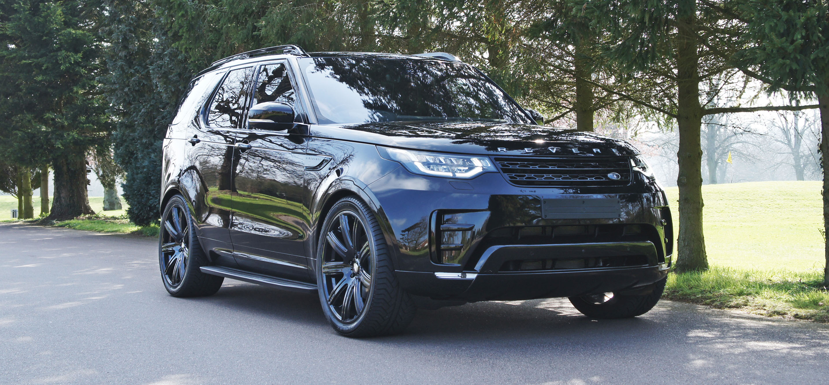 land rover discovery 5 exterior revere london. Black Bedroom Furniture Sets. Home Design Ideas
